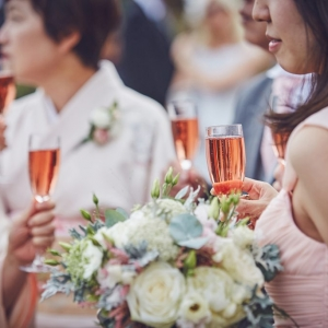 guests enjoying drinks