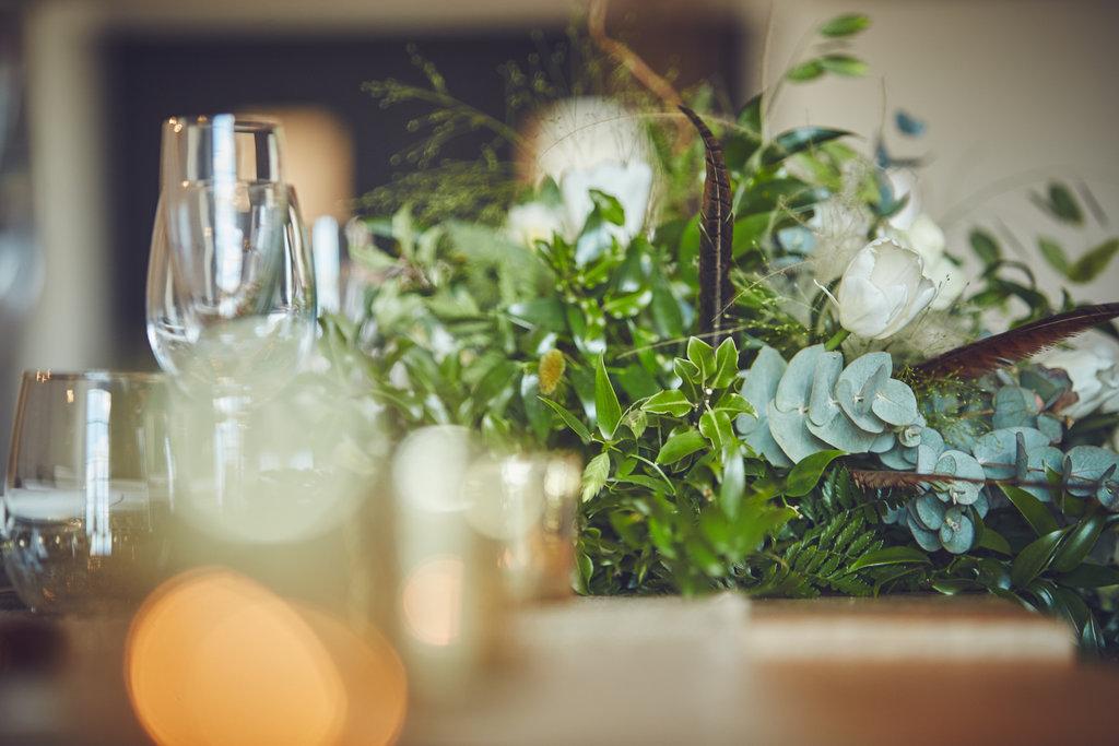 Table floral centrepiece