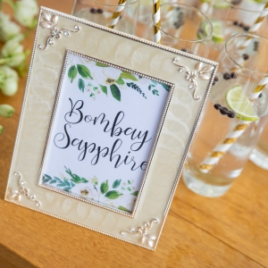 Bombay Sapphire sign and reception drinks