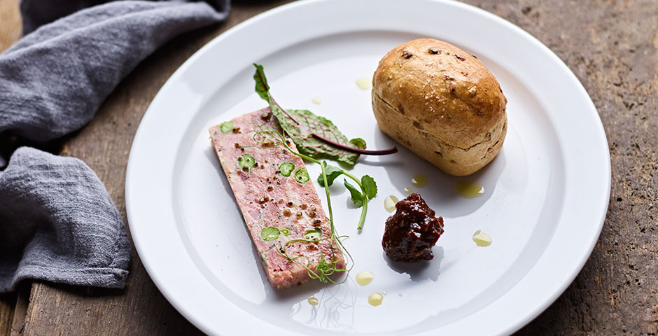 Chicken liver and wild mushroom pate with Cumberland sauce and a mini granary loaf