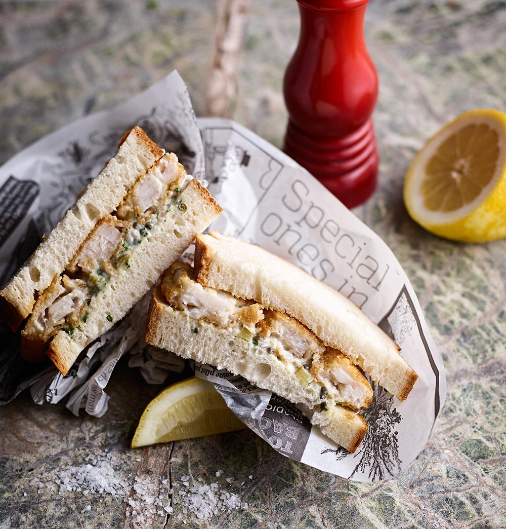 Fish finger sandwiches with chunky tartar sauce | Neil White Photography